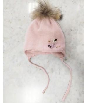 Зимняя шапка для девочки на завязках.
